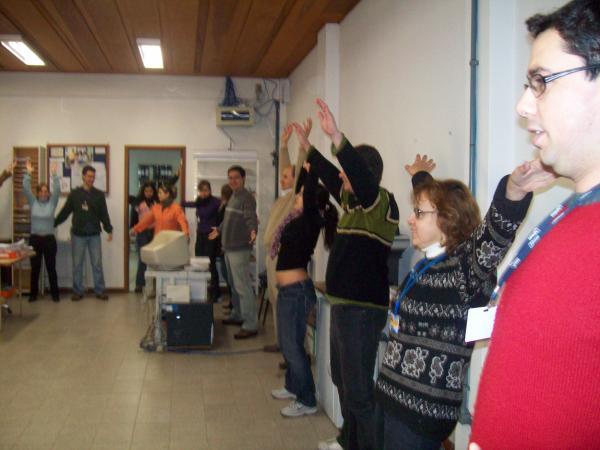 Ginástica Laboral promove confraternização no Dia do Amigo