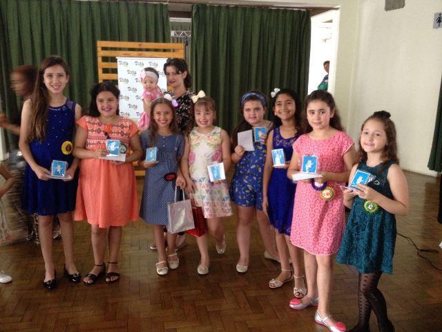 Grupo de Apoio ao HU premia madrinhas na Tarde do Sorvete