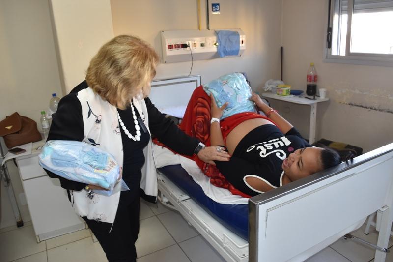 Grupo de Apoio entrega enxovais para todas as gestantes e recém-nascidos da Maternidade