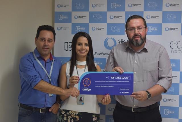 Panvel realiza entrega de arrecadação da campanha Troco Amigo ao HU