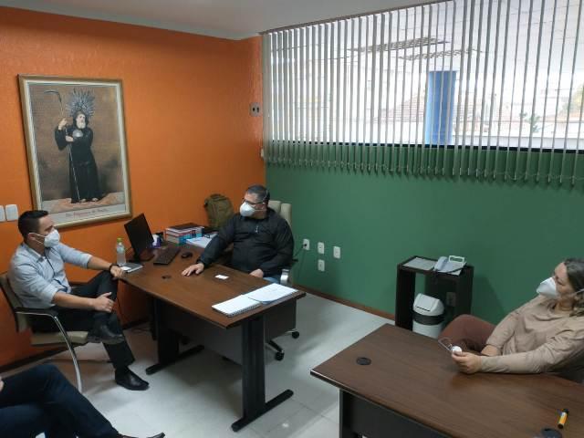 Projeto Colo de Laurinha é apresentado ao HU