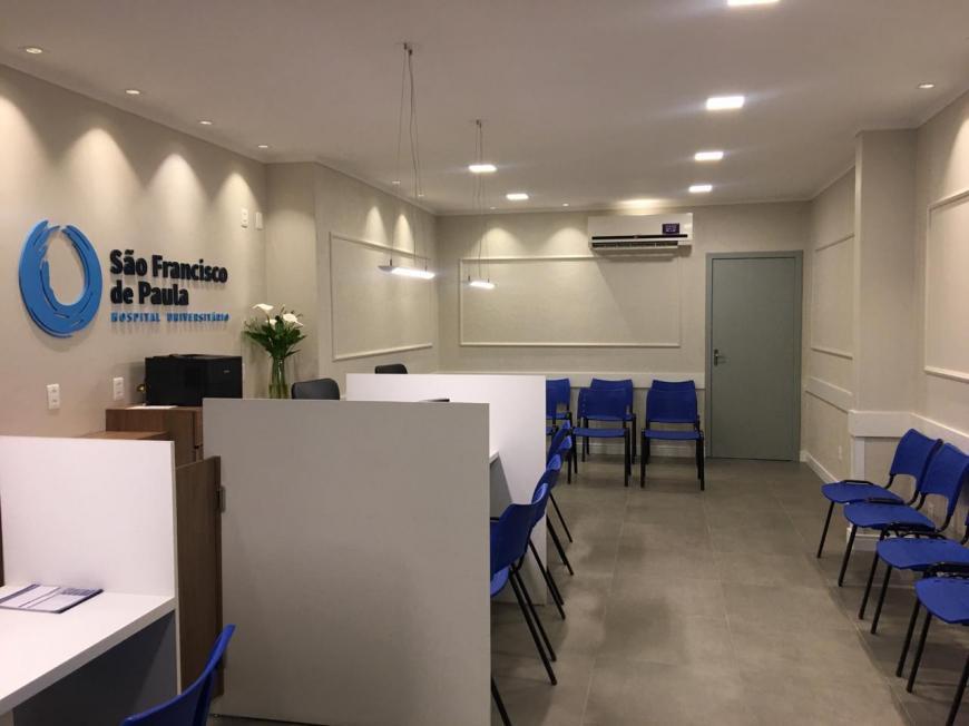 HU reinaugura ambiente de acolhimento após reforma patrocinada por empresas